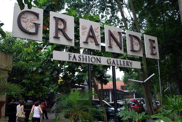 Factory Outlet Terkenal di Bandung Grande Fashion Gallery